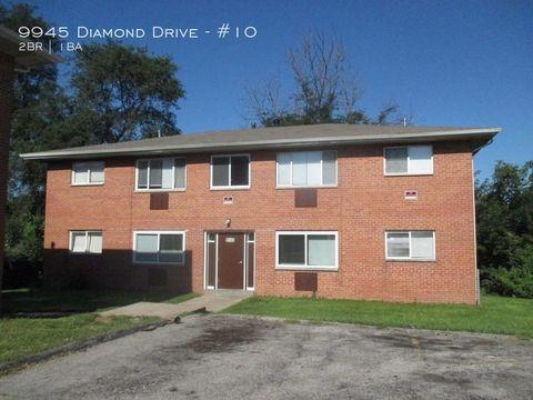 Photo of 9945 Diamond Dr Apt 10, Saint Louis, MO 63137