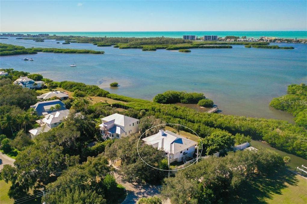 8810 Fishermens Bay Dr Sarasota, FL 34231