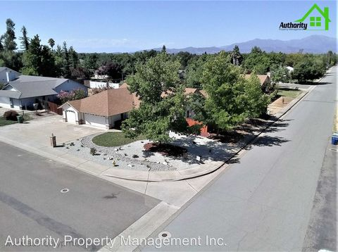 Photo of 11556 La Costa Ct, Redding, CA 96003