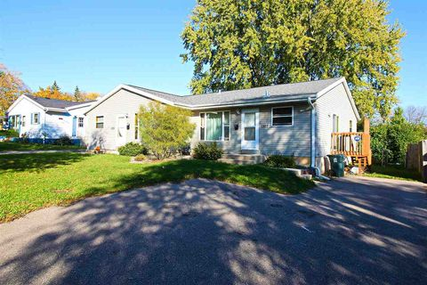 Photo of 1305 Prairie Rd, Madison, WI 53711