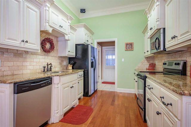 Kitchen Cabinets Jackson Tn 46 woodshire cv, jackson, tn 38305 - realtor®