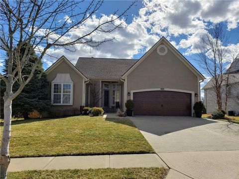 Photo of 7641 W 148th Ter, Overland Park, KS 66223