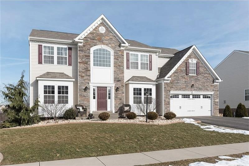 1051 Sweet Brier Dr, Hopewell, PA 15001