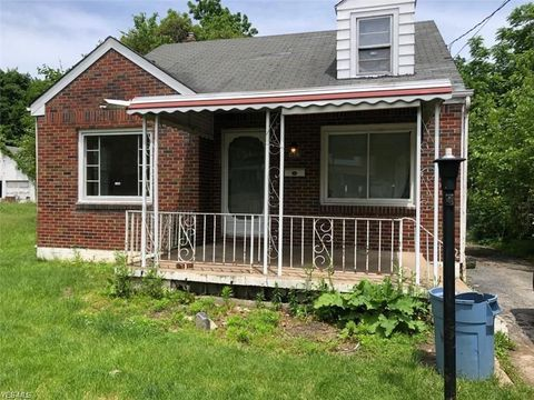 Photo of 358 E Auburndale Ave, Youngstown, OH 44507