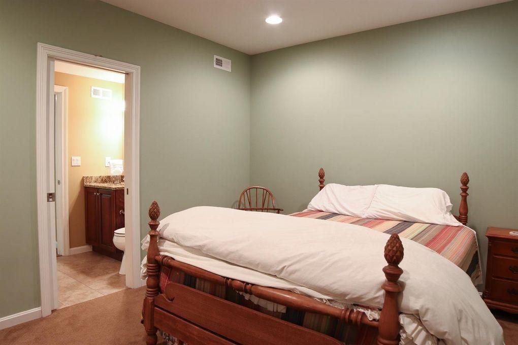 1046 Red Bird Rd, Miami Township, OH 45140 - Bathroom
