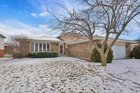 Photo of 8513 Westberry Ln, Tinley Park, IL 60487