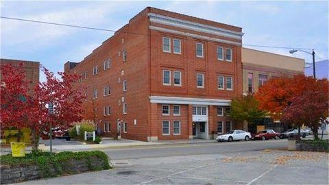 Photo of 230 N Washington Ave Unit 4, Pulaski, VA 24301