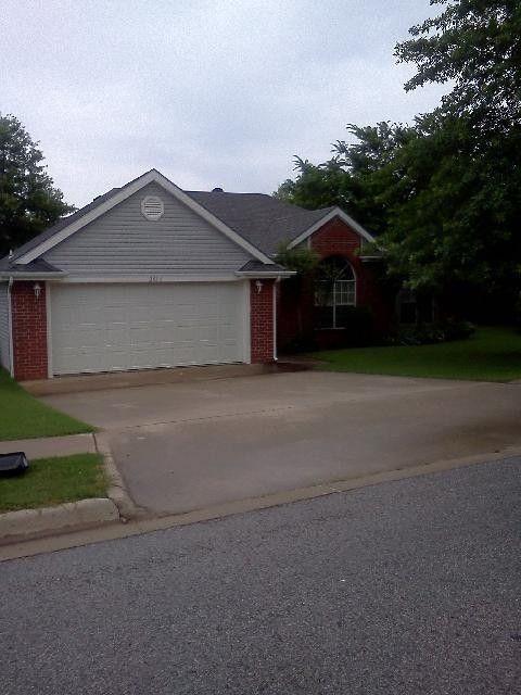2914 E Setter St, Fayetteville, AR 72701