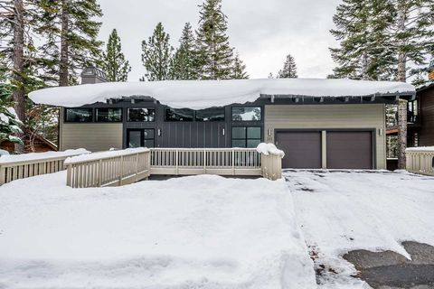 Photo of 282 Ridgecrest Dr, Mammoth Lakes, CA 93546