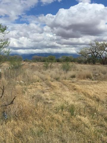 Seabell, Los Chavez, NM 87002