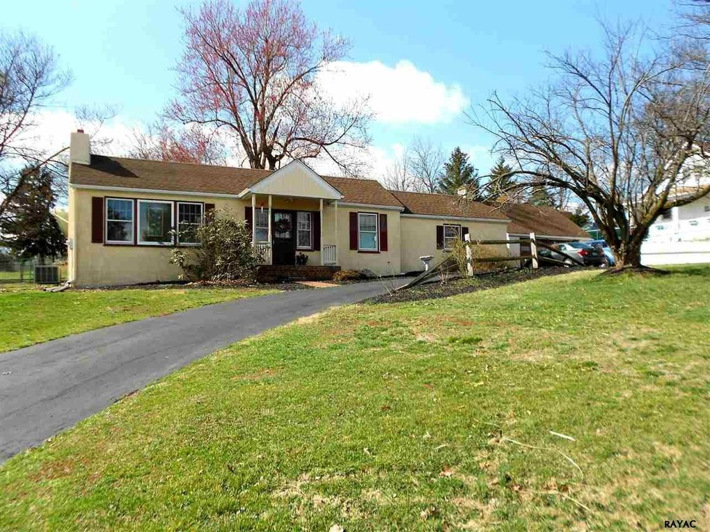 1158 Roth Church Rd, Spring Grove, PA 17362