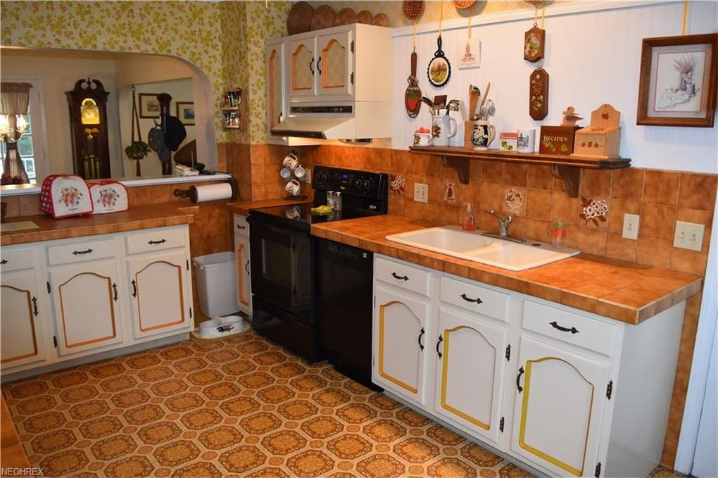 212 Maple Ave, Saint Clairsville, OH 43950