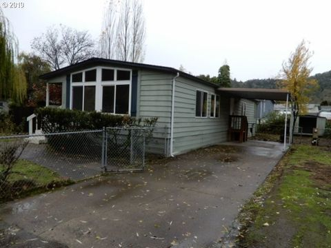 Photo of 3750 Nw Joseph St, Roseburg, OR 97470