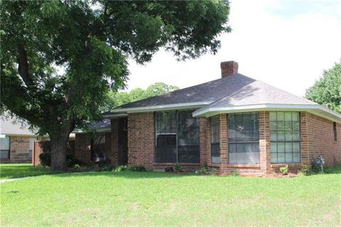Photo of 6006 Raleigh Dr, Garland, TX 75044
