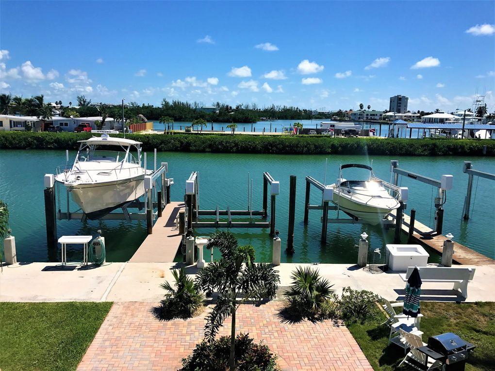 65 7th St, Key Colony, FL 33051