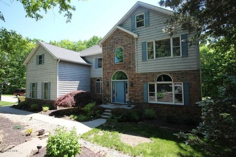 Photo of 651 May Apple Ln, Carbondale, IL 62903