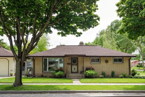 Photo of 4442 S 5th St, Milwaukee, WI 53207