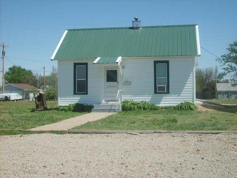 Photo of 724 N Main St, WaKeeney, KS 67672