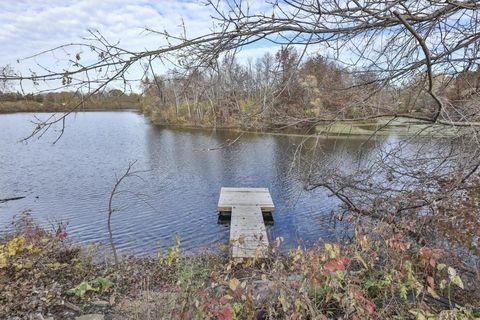 1369 Lakeside Dr, Eagan, MN 55123