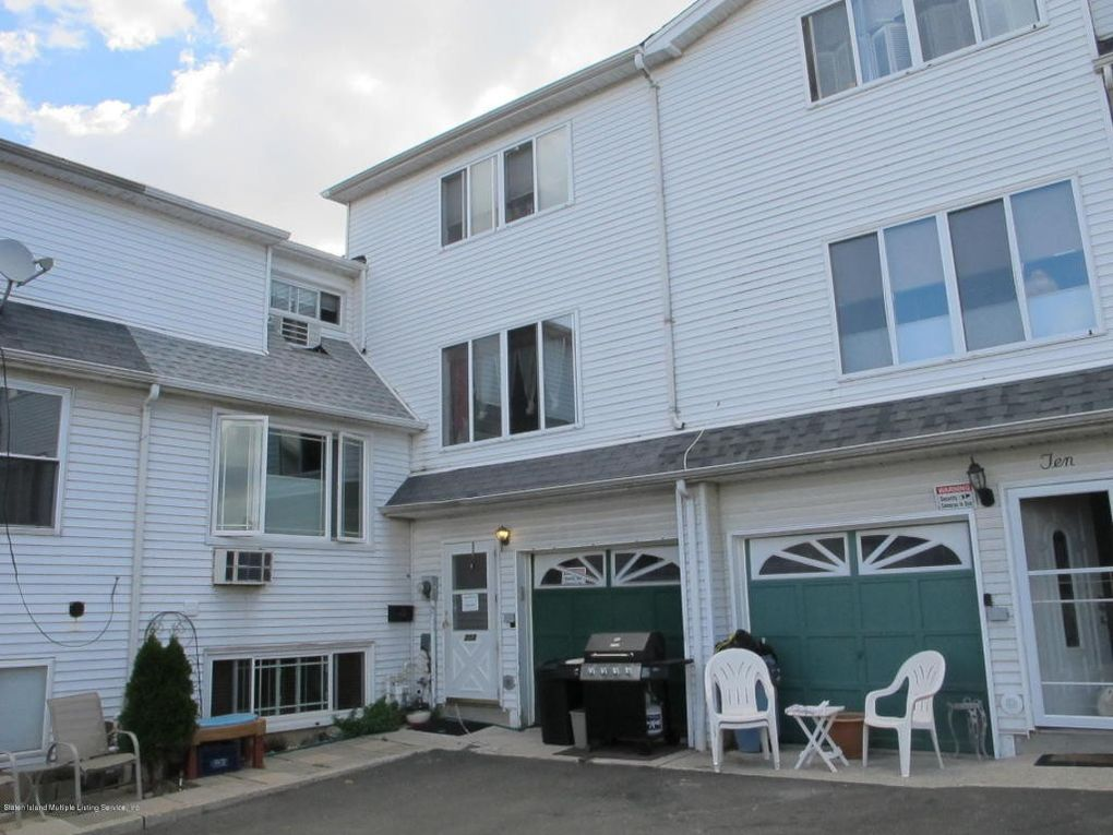 202 Vermont Ave Staten Island, NY 10305