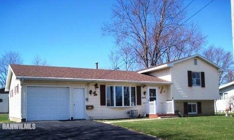 408 Grove St, Lena, IL 61048