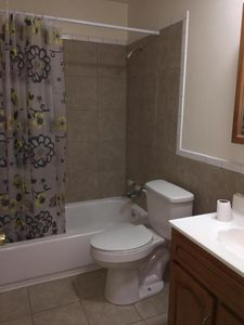 260 Heft Ave Lebanon Junction Ky 40150 Bathroom
