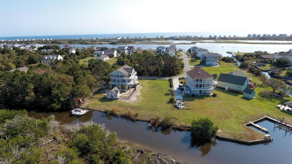 Waterfront Homes For Sale In Sneads Ferry Nc
