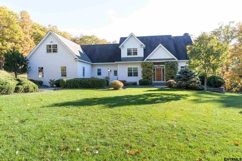 Photo of 53 Baltis Dr, Voorheesville, NY 12186