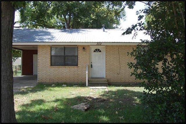 302 eagleston st smithville tx 78957 home for sale and