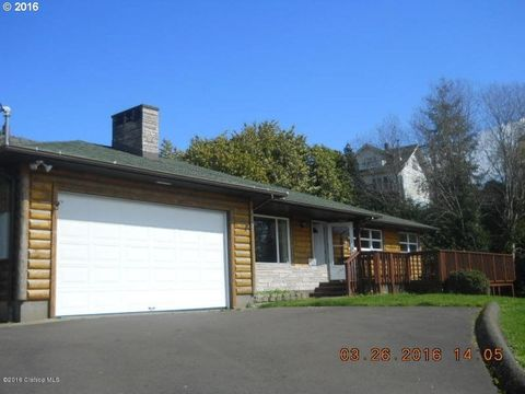 105 Dresden St, Astoria, OR 97103