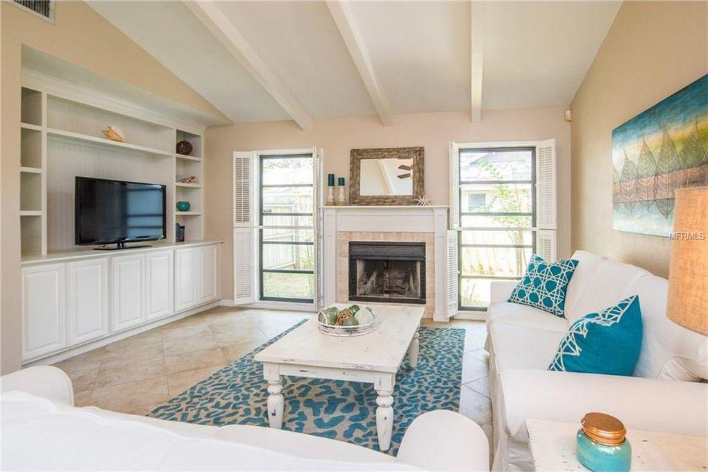 5575 Beneva Woods Cir, Sarasota, FL 34233 - realtor.com®