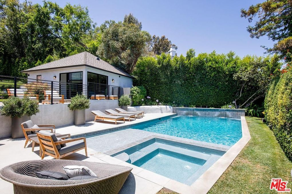 2841 Montcalm Ave, Los Angeles, CA 90046