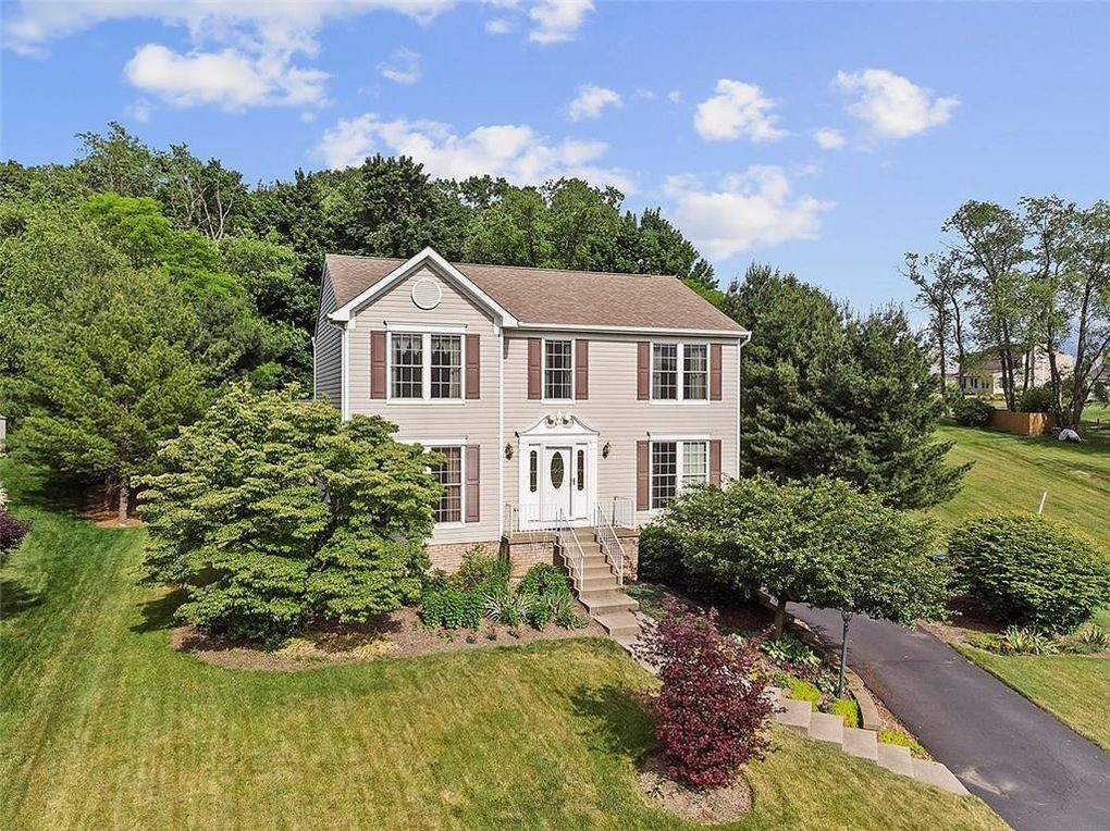 404 Hastings Dr Cranberry Township, PA 16066