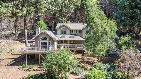 420 Conifer Ln, Santa Cruz, CA 95060