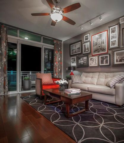 Photo of 9870 N Gaylord Dr Unit 724, Houston, TX 77024