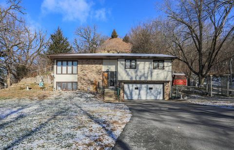 Photo of 30199 Old Lincoln Hwy, Honey Creek, IA 51542