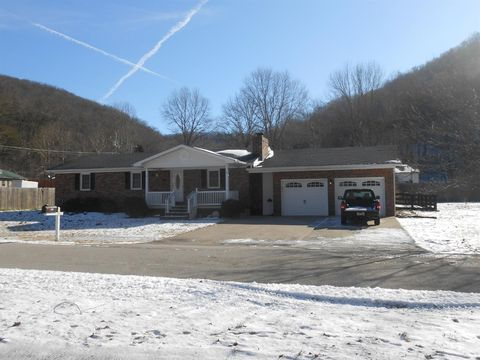 Photo of 392 Sycamore Rd, Stanton, KY 40380