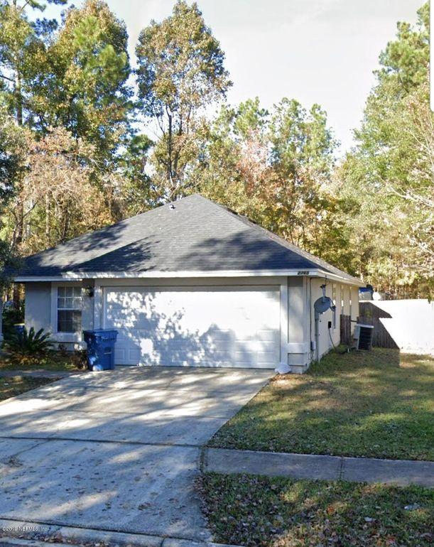 2765 Acorn Park Dr N Jacksonville, FL 32218