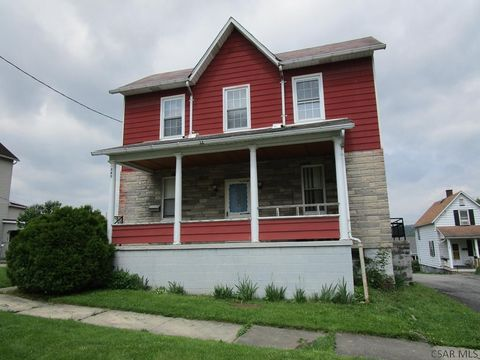545 Russell Ave, Johnstown, PA 15902
