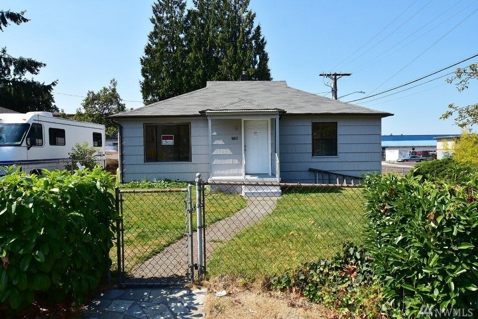 8802 34th Ave S, Lakewood, WA 98499