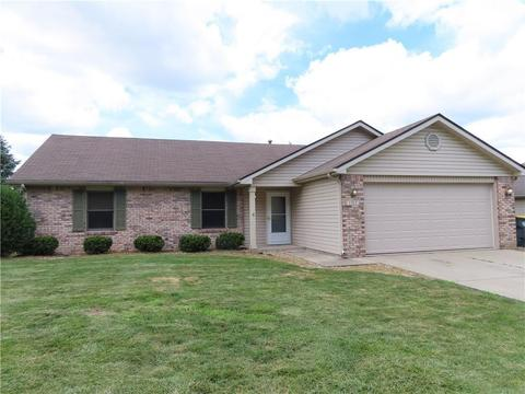 1212 E 42nd St, Anderson, IN 46013
