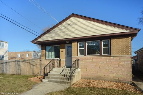 Photo of 3129 Ruby St, Franklin Park, IL 60131