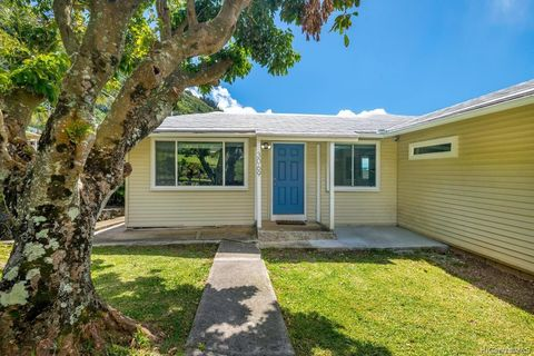 Photo of 3069 Kahaloa Dr, Honolulu, HI 96822