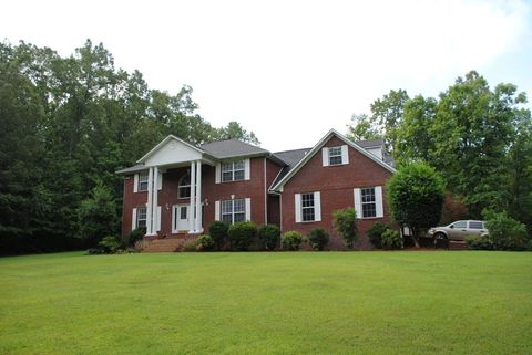 Photo of 853 Woodland Hills Dr, Mountain View, AR 72560