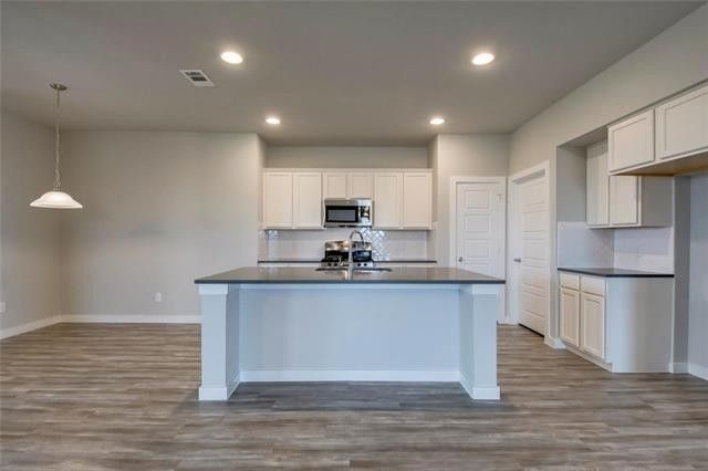 1600 Pike Dr, Forney, TX 75126