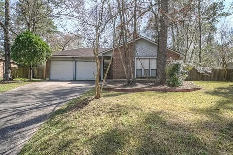 Photo of 32 Field Flower Ct, The Woodlands, TX 77380