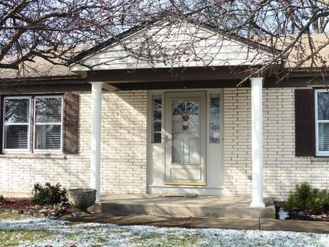 805 Melrose Ct, Mchenry, IL 60050