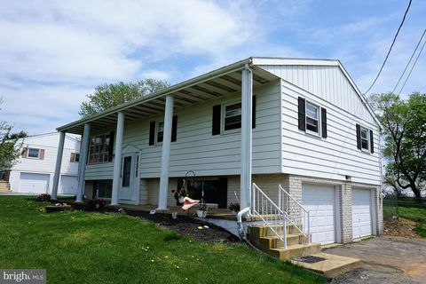 12485 Lucky Rd, Brogue, PA 17309