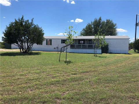 Photo of 418 Avila Ln, Briggs, TX 78608