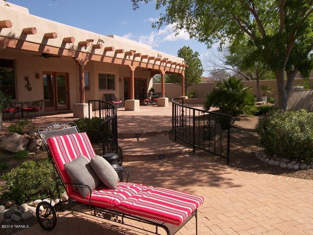 1448 S Walnut Spring Pl Green Valley, AZ 85614